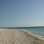 沖縄の風景-静かな浜 恩納村