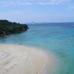 沖縄の風景-瀬底大橋から望む
